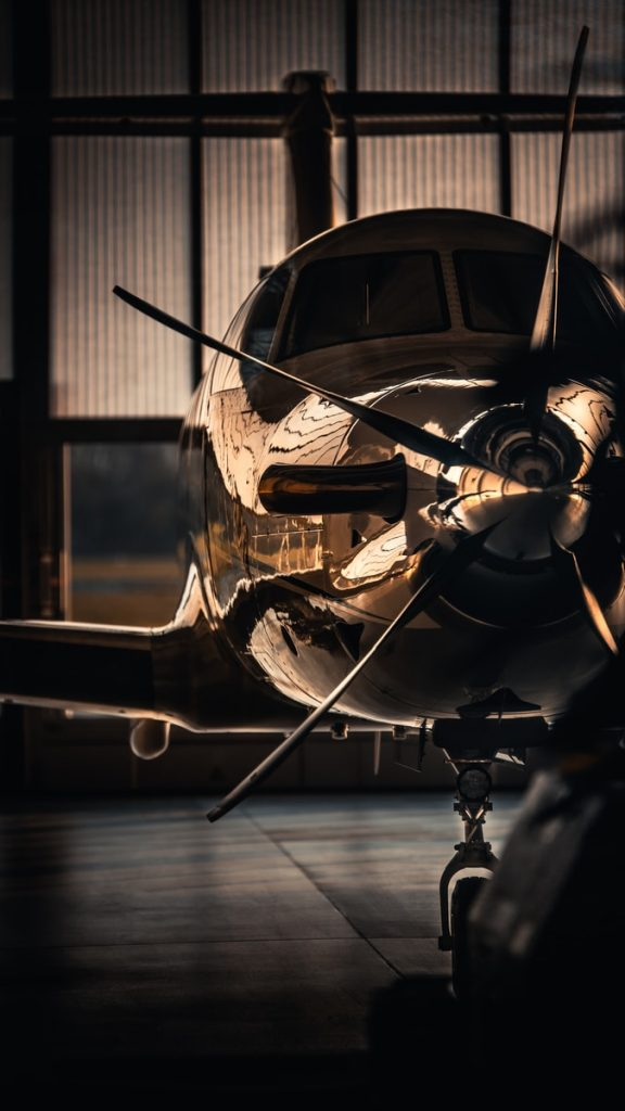 brown and black plane propeller